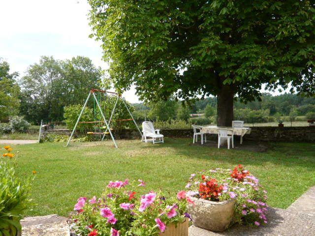 Binnenplaats  Vakantiehuis 51135 Saint-Cirq-Lapopie