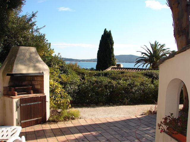 Uitzicht vanaf het terras  Huis 93909 Saint Tropez