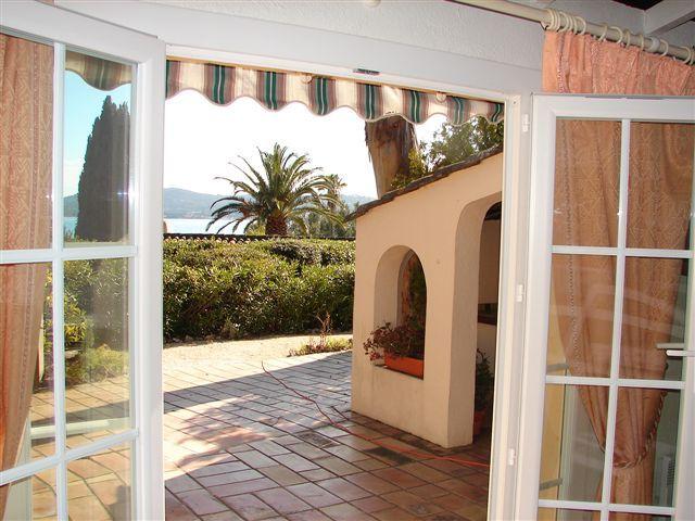 Uitzicht vanaf de woning  Huis 93909 Saint Tropez