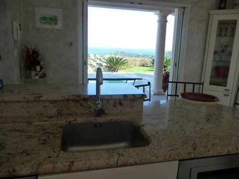 Gesloten keuken  Villa 85005 Sainte Maxime