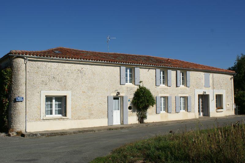 Het aanzicht van de woning  Vakantiehuis 108187 La Rochelle