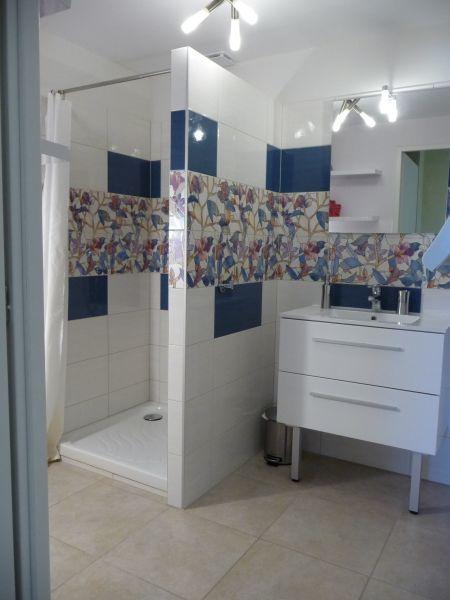badkamer  Appartement 106719 Evian les Bains