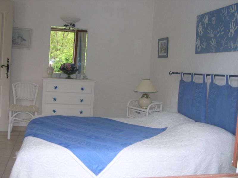 slaapkamer 2  Villa 103900 Saint Raphael