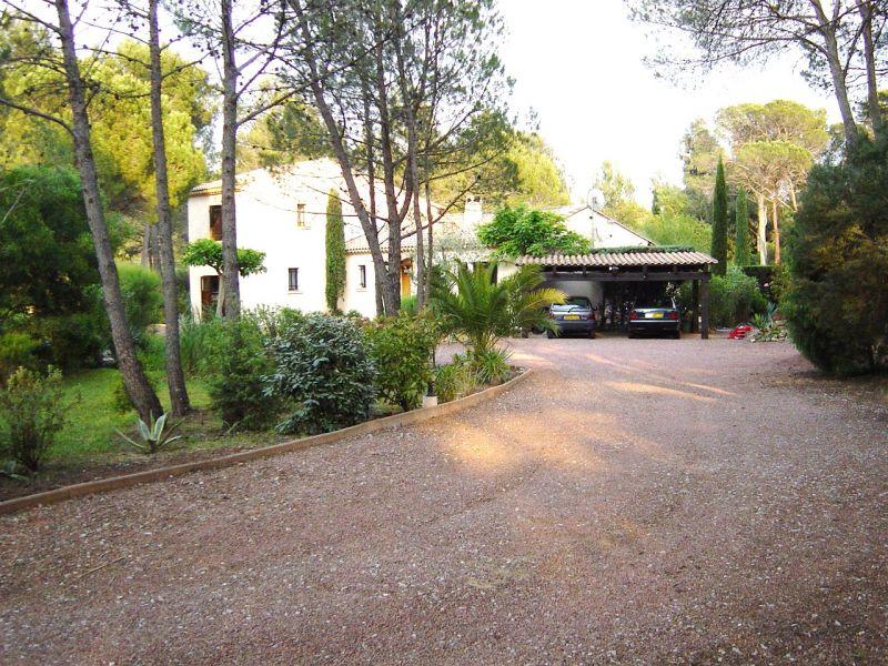 Parkeerplaats  Villa 103900 Saint Raphael