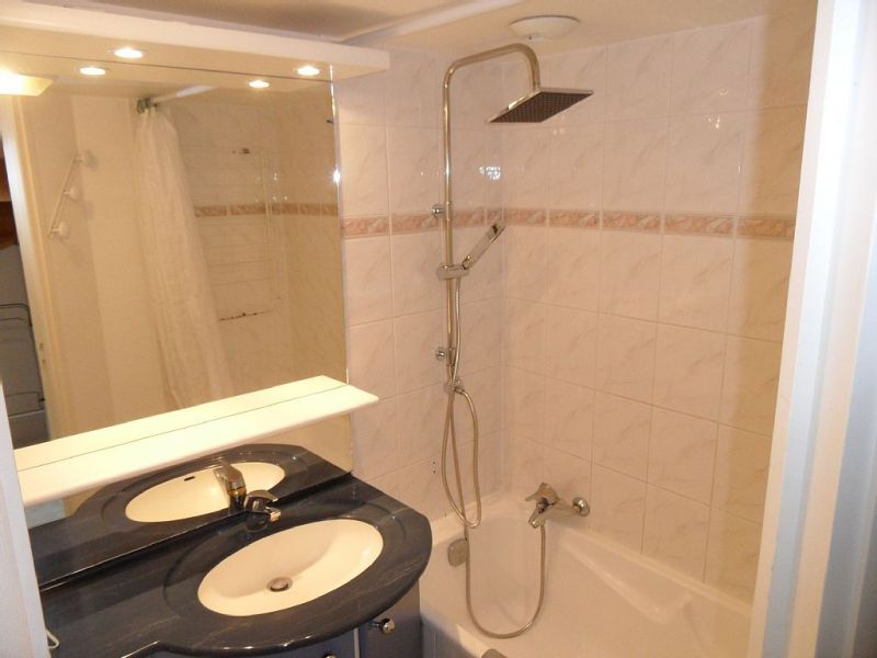 badkamer  Appartement 81402 La Couarde-sur-Mer