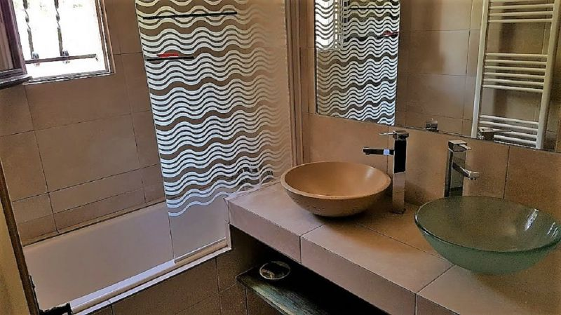 badkamer 1  Huis 104932 Sainte Maxime