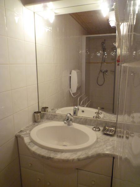 badkamer 2  Chalet 2379 Praz de Lys Sommand