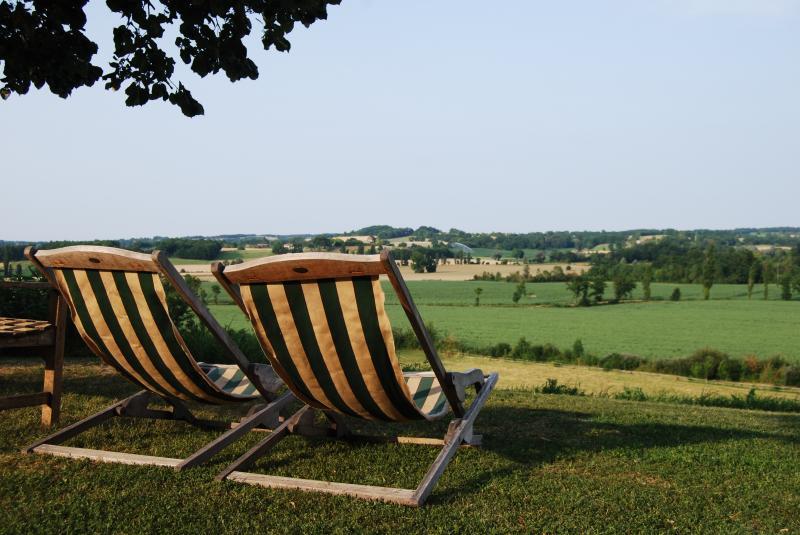 Uitzicht vanaf het terras  Vakantiehuis 28762 Monpazier