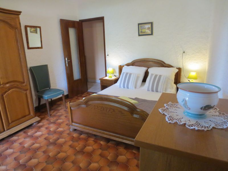 slaapkamer 1  Vakantiehuis 51135 Saint-Cirq-Lapopie