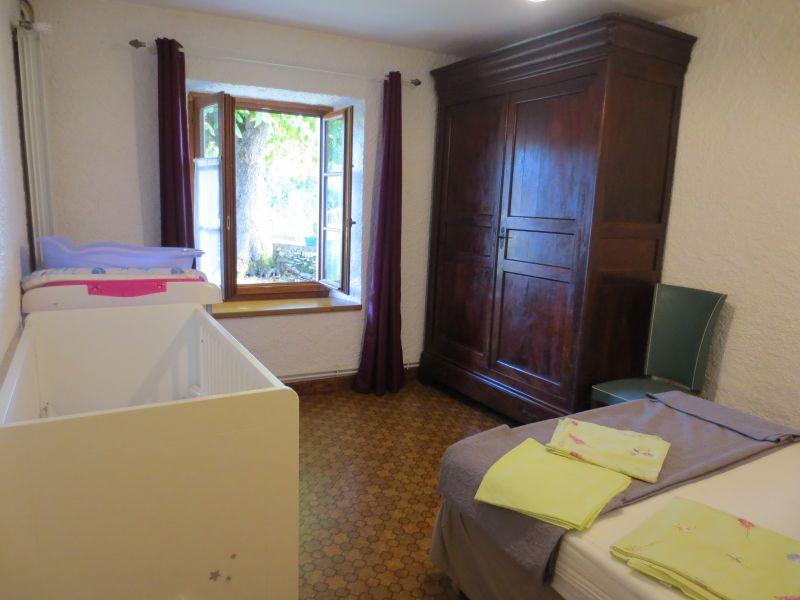 slaapkamer 2  Vakantiehuis 51135 Saint-Cirq-Lapopie