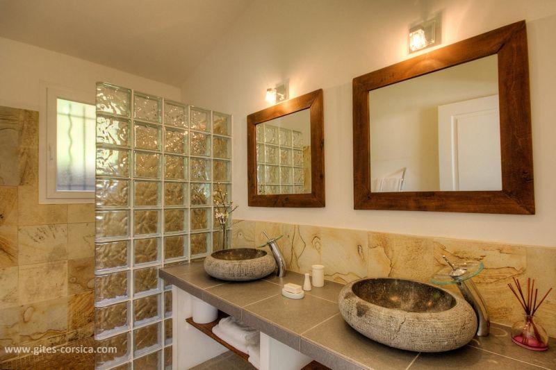 Badkamer 1  Villa 59939 Porto Vecchio