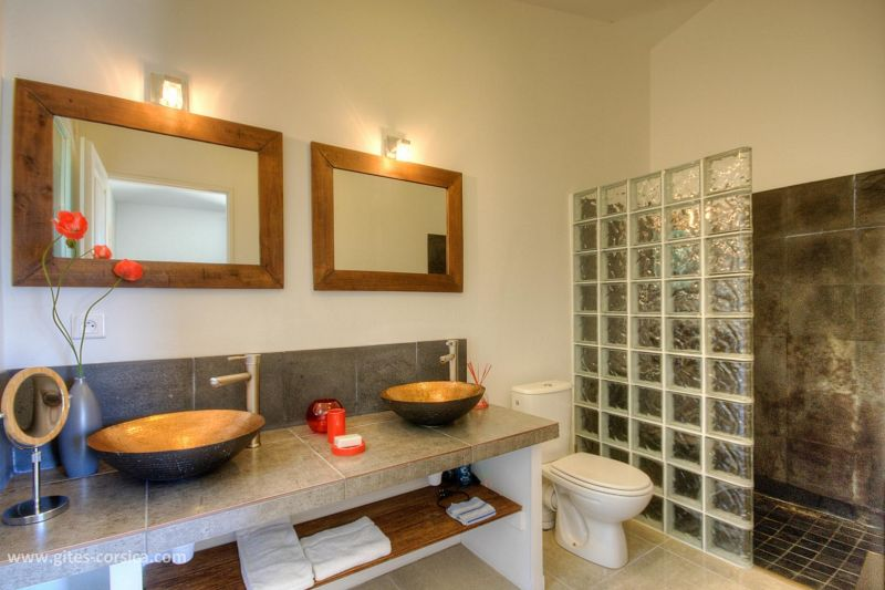 Badkamer 2  Villa 59939 Porto Vecchio