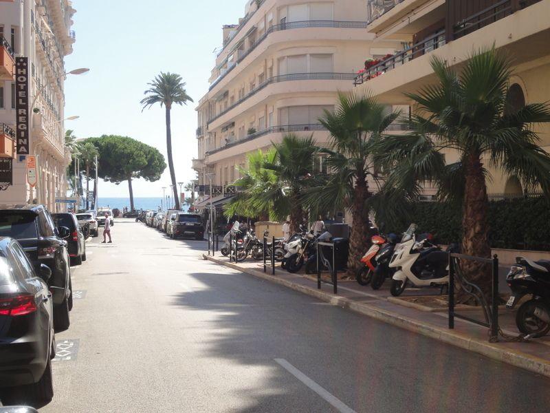 Uitzicht vanaf het balkon  Studio 100520 Cannes
