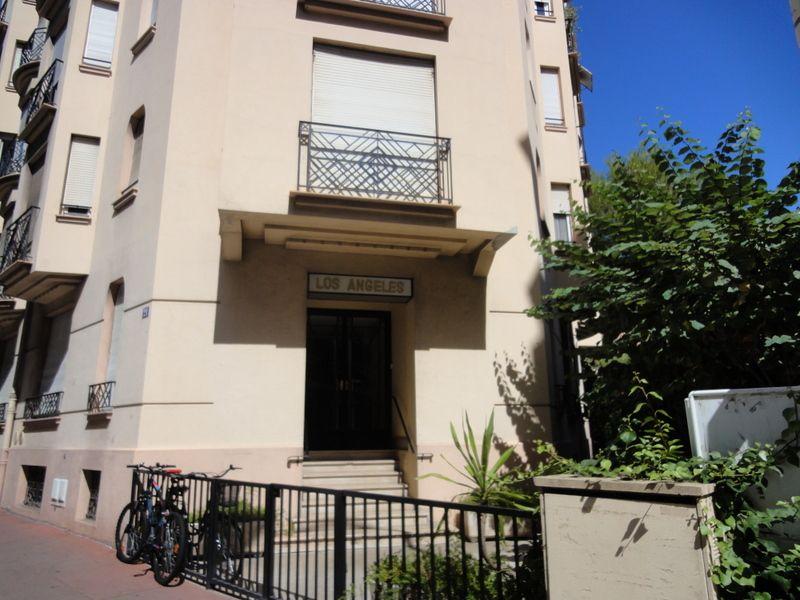 Het aanzicht van de woning  Studio 100520 Cannes