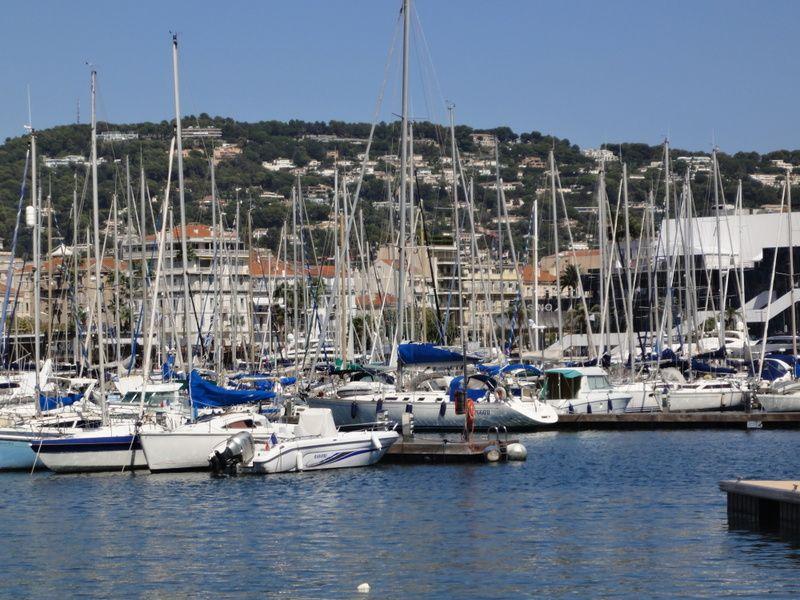 Zicht op de omgeving  Studio 100520 Cannes