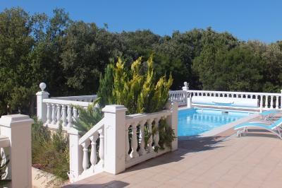 Zwembad  Villa 97800 Uz�s