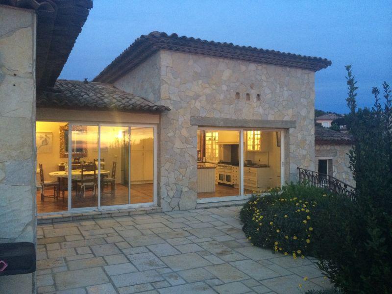 Het aanzicht van de woning  Villa 111352 Fréjus