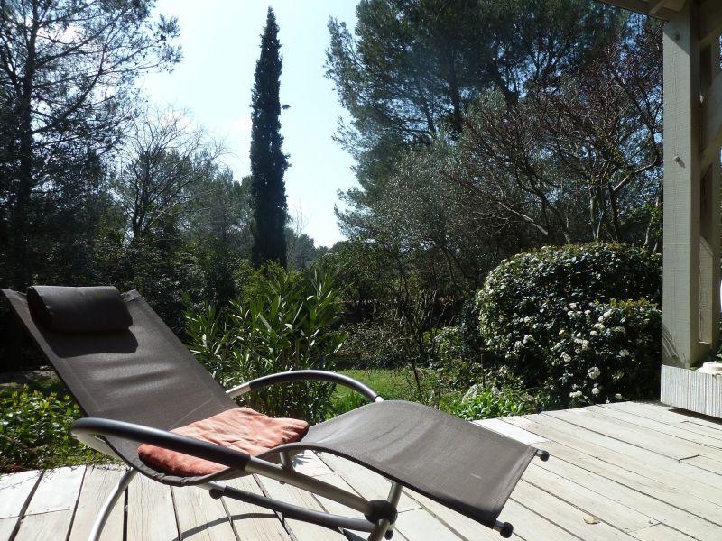 Uitzicht vanaf het terras  Villa 112551 Nîmes