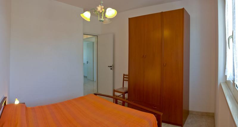 slaapkamer 1  Appartement 83079 Gallipoli
