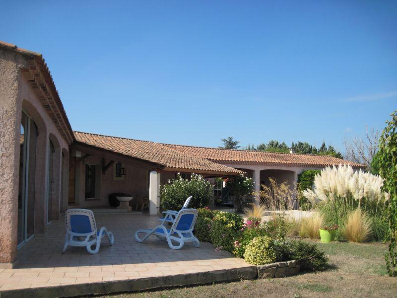 Het aanzicht van de woning  Villa 118411 Isle sur la Sorgue