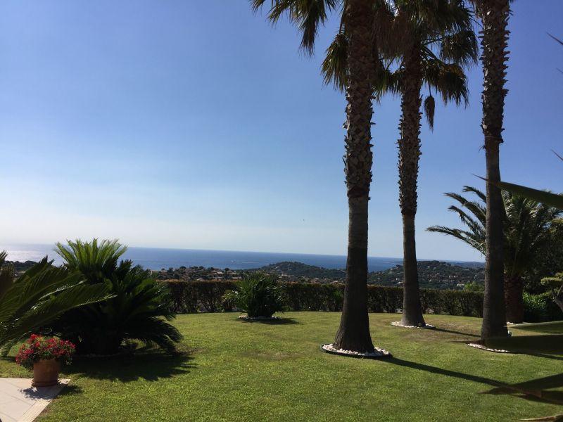 Uitzicht vanaf het terras  Villa 85005 Sainte Maxime