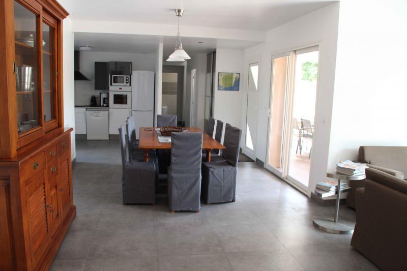 Eetkamer  Villa 82417 Hyères