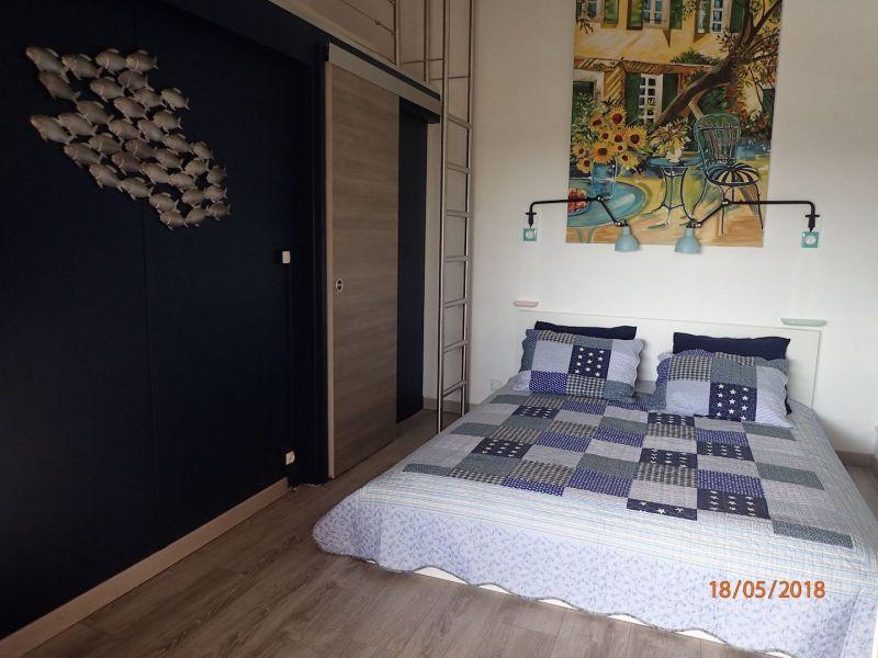 slaapkamer 1  Huis 100590 La Londe les Maures