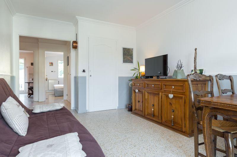 Eetkamer  Appartement 77050 Menton